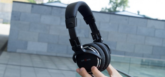 Обзор диджейских наушников GMB Audio MHP-YUL-BK Montreal